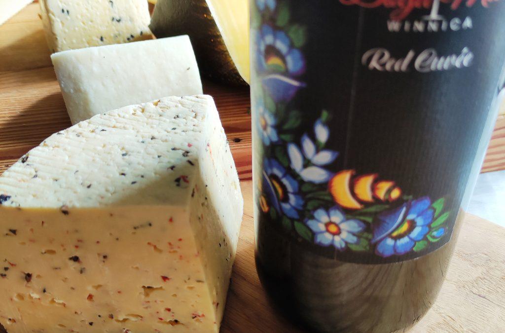 Red Cuvee z Bogu-Miły z serem podpuszczkowym od Baby Jagły
